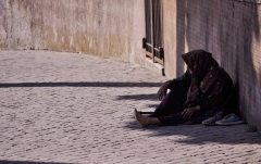 begging-old-person-2128